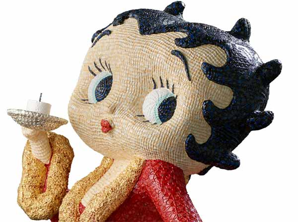 Sam Havadtoy, Betty Boop (particolare), lace, acrylic and gold leaf on found object, 120x55x60 cm, 2016