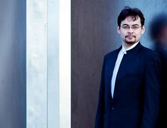 Il direttore d'orchestra Alan Buribayev al Concerto di Pasqua del Teatro Carlo Felice