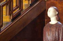 Particolare di Arturo Martini, L'amante morta, 1921, gesso policromo - Conversazioni d'Arte