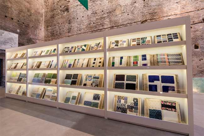 Libri campionario della Fondazione Antonio Ratti  - foto: Stefano Castellani