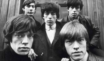 I Rolling Stones in Hanover Square, Londra, 1964, 54,9 x 73 cm, © Terry O'Neill