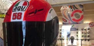 Casco di Marco Simoncelli mostra I colori del Motomondiale