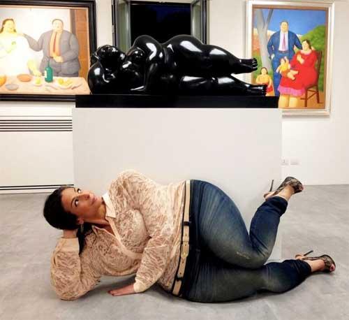 """Better Botero than botox2 Fernando Botero Lying Woman, 2006 Galleria Tega – Milano (2015) - Mostra dedicata al selfie"