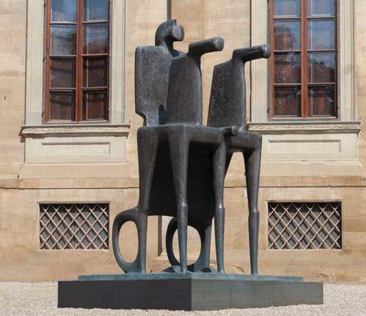 Fritz Koenig, Große Biga, Grande Biga, 2001, bronzo, Bayerische Staatsgemäldesammlungen, Monaco