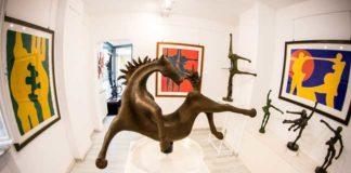 Opera di Sauro Cavallini alla Galleria Enrico Paoli di Pietrasanta