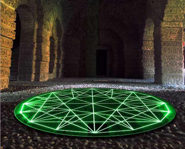 Nicola Evangelisti, Emerald, acciaio specchiante traforato diametro mt.3 - Biennale Light Art di Mantova