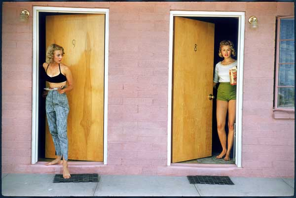 Usa, Las Vegas, Nevada, 1957, Showgirls. © Elliott Erwitt / Magnum Photos