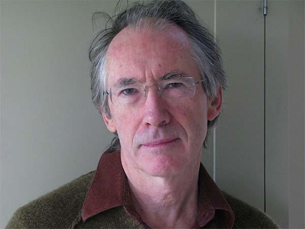 Ian Russell McEwan, ph. Annalena McAfee - BergamoScienza