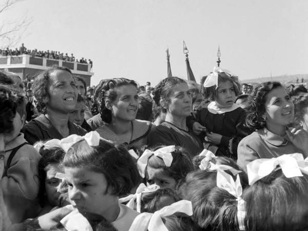 Comizio di De Gasperi in Calabria, 1952 - Foto Archivio storico Luce - Mostra Il sorpasso