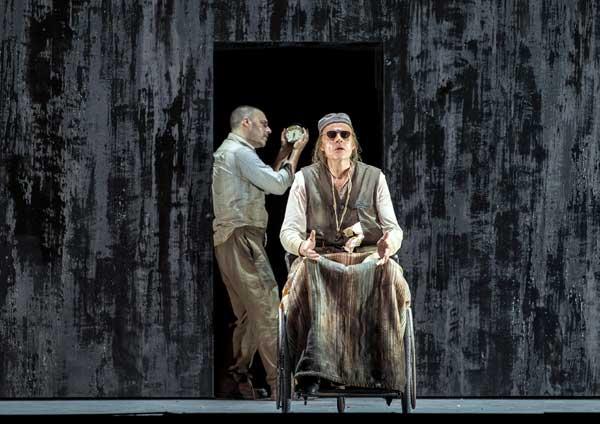 """Frode Olsen e Leigh Melrose nell'opera di György Kurtág """"Fin de Partie"""" - Credit Ruth Walz"""