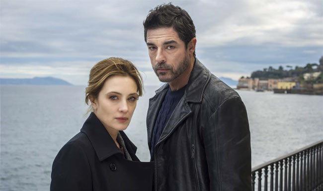 Alessandro Gassman e Carolina Crescentini nella serie Tv I bastardi di Pizzofalcone