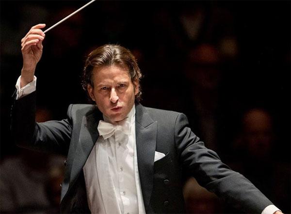 Gustavo Gimeno dirige Una notte a Vienna