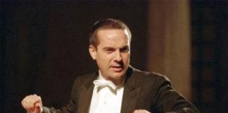 Paolo Olmi dirige il Concerto di Natale per Genova
