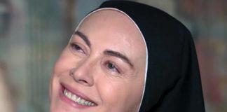 Elena Sofia Ricci in Che Dio ci aiuti