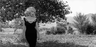 "Inge Morath, Marylin Monroe sul set di ""Misfits"", Nevada, 1960. ©Fotohof archiv/Inge Morath/ Magnum Photos"""
