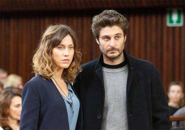 Lino Guanciale e Gabriella Pession protagonisti della fiction La porta rossa