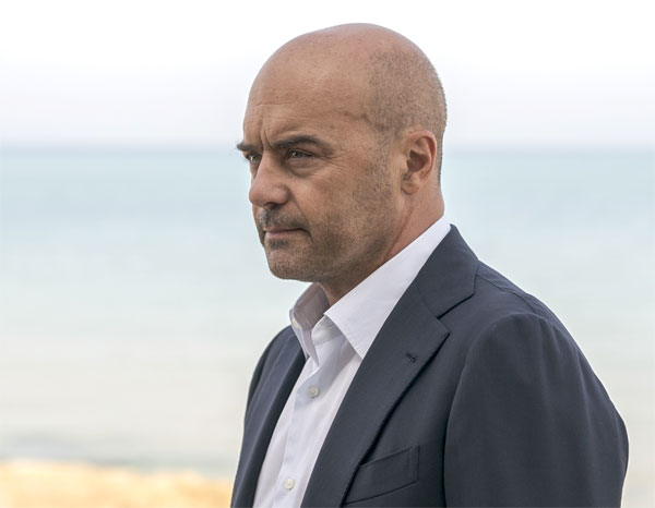 Luca Zingaretti nel ruolo de Il commissario Montalbano