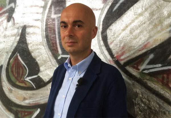 Edoardo Camurri conduce Punto di svolta