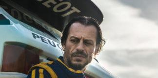 Stefano Accorsi nel film Veloce come il vento