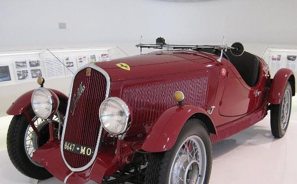 La Grande Storia - Enzo Ferrari, l'uomo e la leggenda