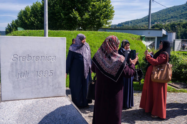 """Riccardo Beggiato, """"Le madri di Sebrenica"""": Donne Irachene, Sunnite, Sciite e Curde in delegazione pro pace a Sebrenica"""