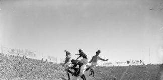 """""""Milan-Napoli: particolare azione di Hasse Jeppson, Franco Pedroni, Celso Posio, Francesco Zagatti e Arturo Silvestri, 2 marzo 1953"""" - Archivio Publifoto Intesa Sanpaolo"""