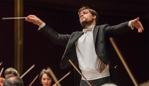Juraj Valčuha a Sabato classica, omaggio a Robert Schumann