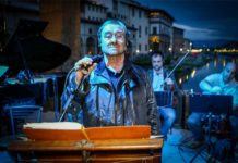 Lucio Dalla su Ponte Vecchio serata B envenuto Cellini ® New Press Photo - Because the Night