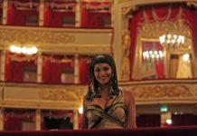Danielle de Niese in una pausa delle prove di Giulio Cesare in Egitto alla Scala - Photo credit: Brescia/Amisano - Teatro alla Scala