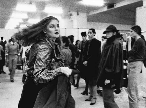 Dietro le quinte di una sfilata di moda alla Fiera, 1980 Milano, Civico Archivio Fotografico, inv. COL 72 © Cesare Colombo