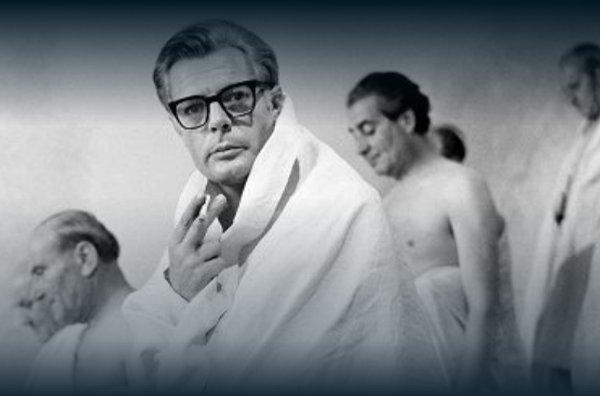 """Marcello Mastroianni nel film """"8 ½"""""""