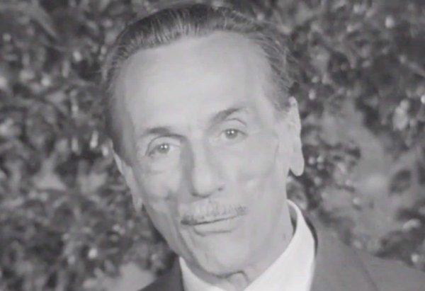 """Eduardo De Filippo, autore della commedia """"Chi è più felice di me"""""""